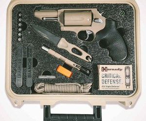 taurus-first-24-hours-doomsday-prepper-survival-kit-640x533