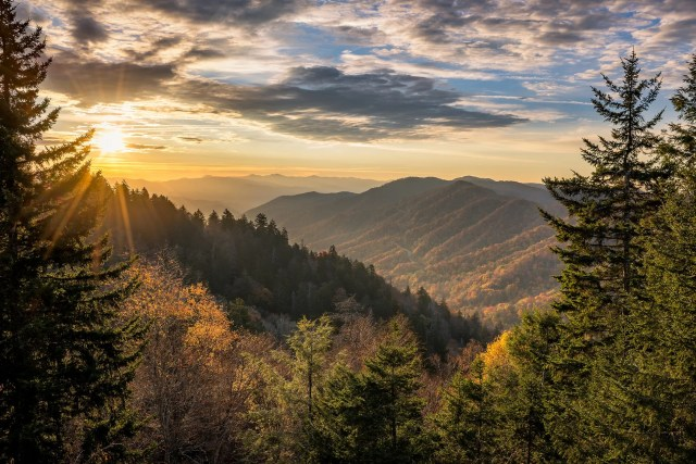 hiking in the smoky mountains