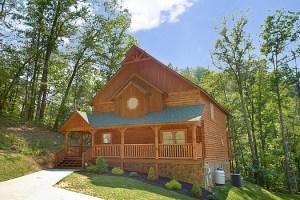 Cozy Creek cabin in Wears Valley, TN