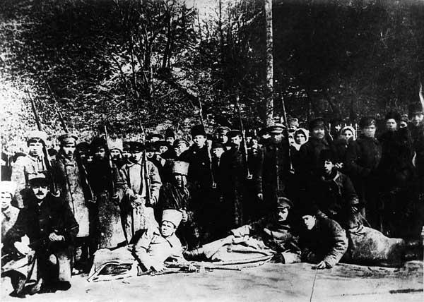 Червоногвардійський загін, який брав участь у боях у Києві. Фото: Вікіпедія