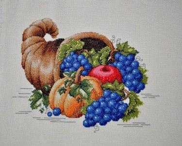Gráfico de punto de cruz para descargar GRATIS en PDF, imprimir y bordar cornucopia con frutas y verduras