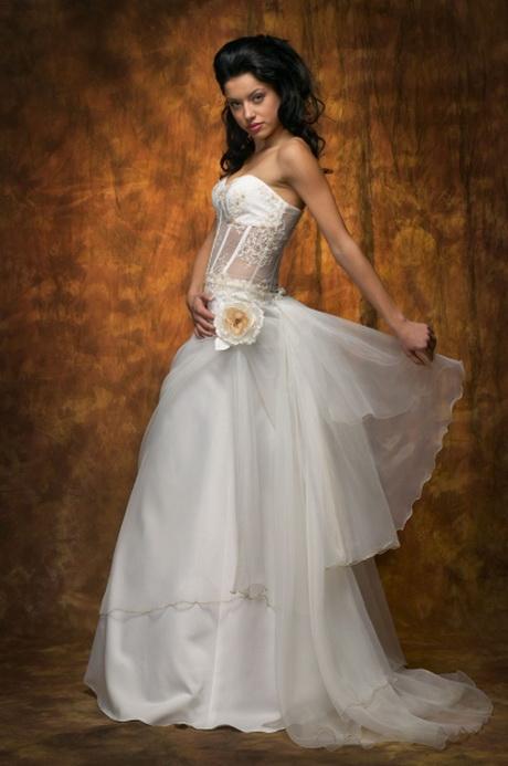 Hochzeitskleid extravagant