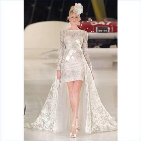 Hochzeitskleider vorne kurz hinten lang wei