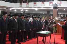 45 anggota DPRD Polman dilantik
