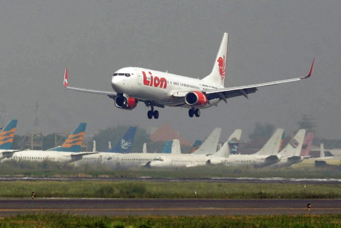 BOEING WARNS 737 MAX MAY PLUNGE DUE TO ERROR