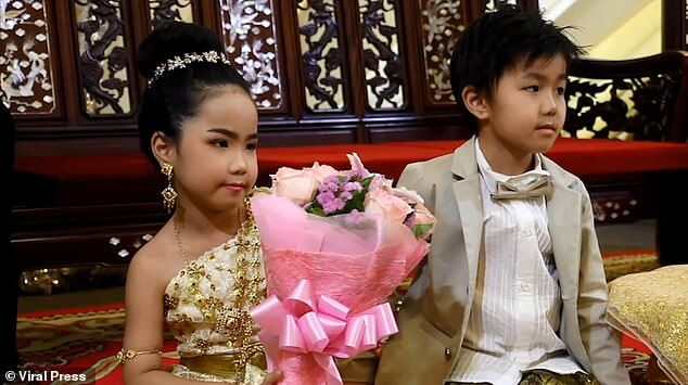 6-year olds twins are MARRIED in Bangkok