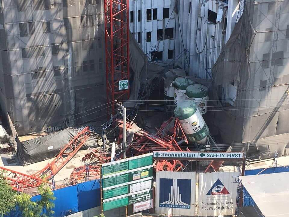 UPDATE: Five workers killed, five hurt as crane collapses in Bangkok (video)