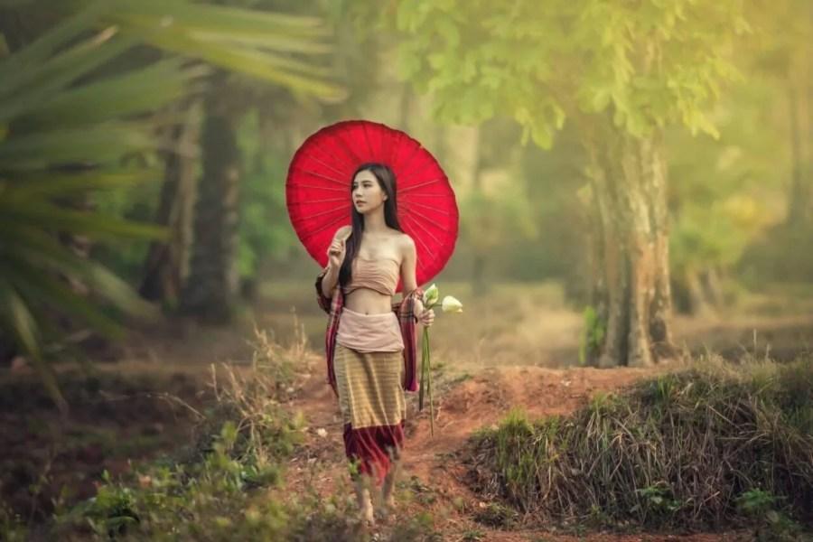 thai girl umbrella
