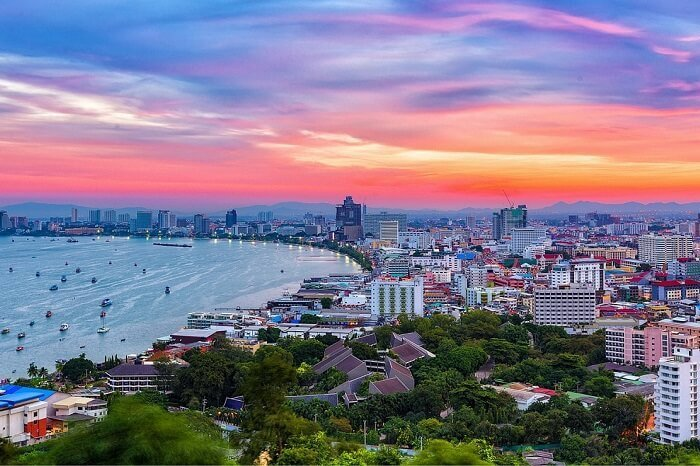 """""""Thai are not good at work, they are not reliable"""": read this if you"""