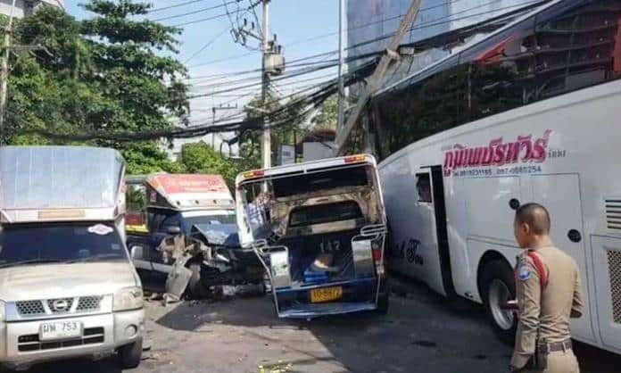 A tour bus crashes into multiple baht busses, cars and motorbikes in Pattaya