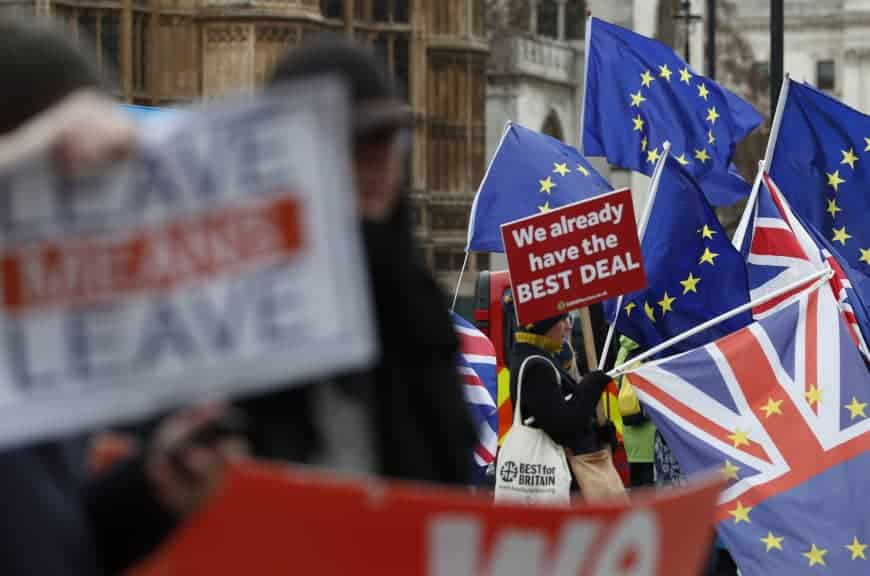 Britain in Brexit limbo with 100 days to go