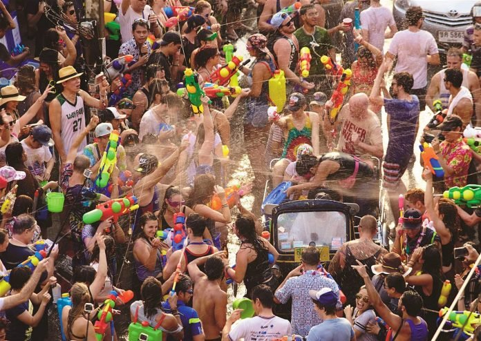 Alcohol Control Committee wants to ban alcohol sales for the Thai New Year, Songkran, April 13th