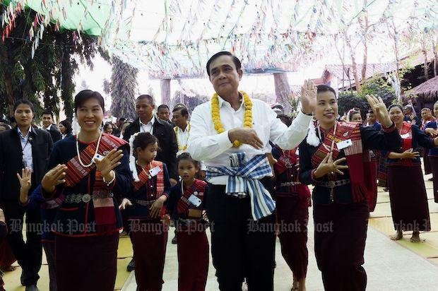 Prayut leads PM poll but party trails