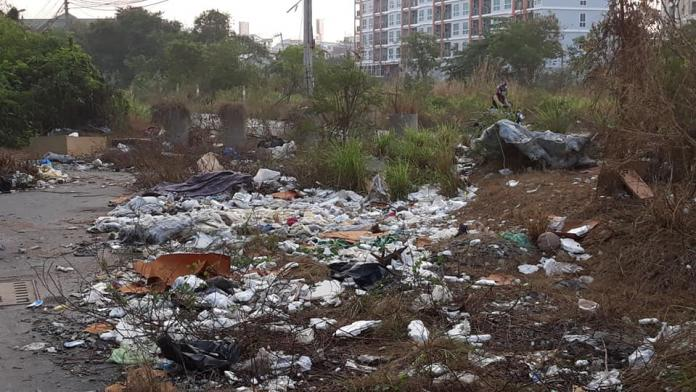 Local residents upset over trash piling up in Nirun Condo area