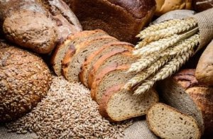 How Whole Grains Could Help Your Liver. Eating whole grains and cereal may reduce the risk of liver cancer.That's according to findings presented