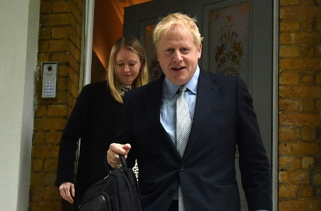 Brexit Boris heads to No 10 after LANDSLIDE first round win