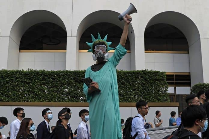 Hong Kong Gov't Tells US to Stay Out