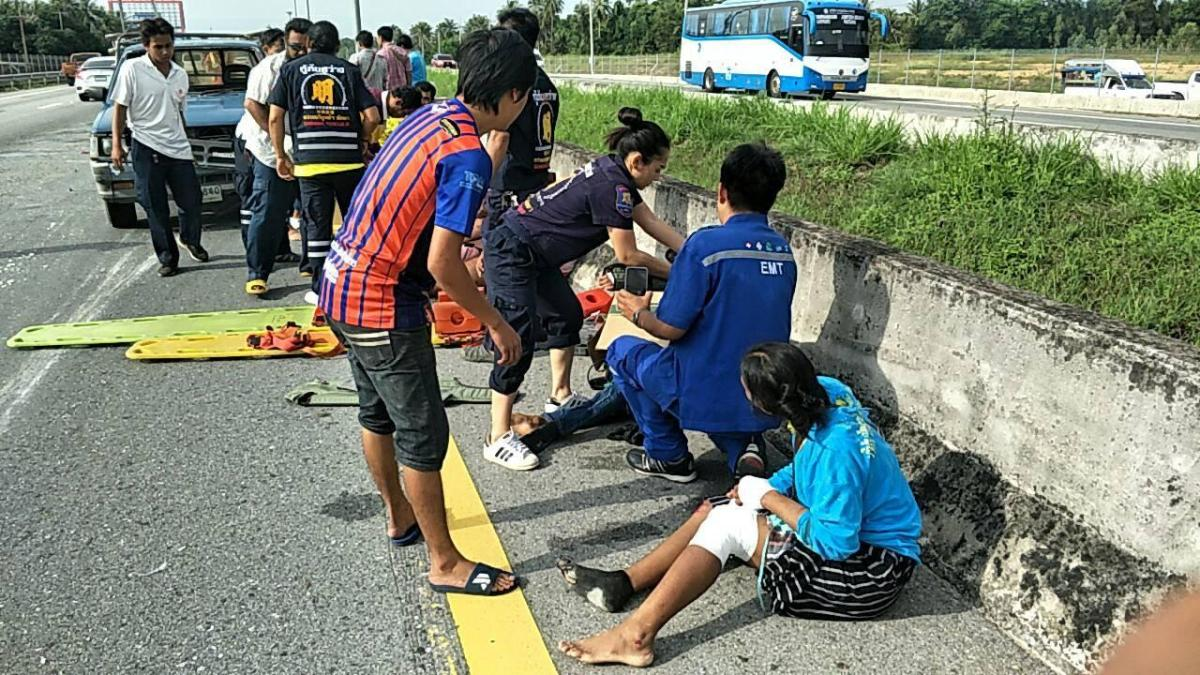 Eight injured as pickup truck flipped in Bang Lamung