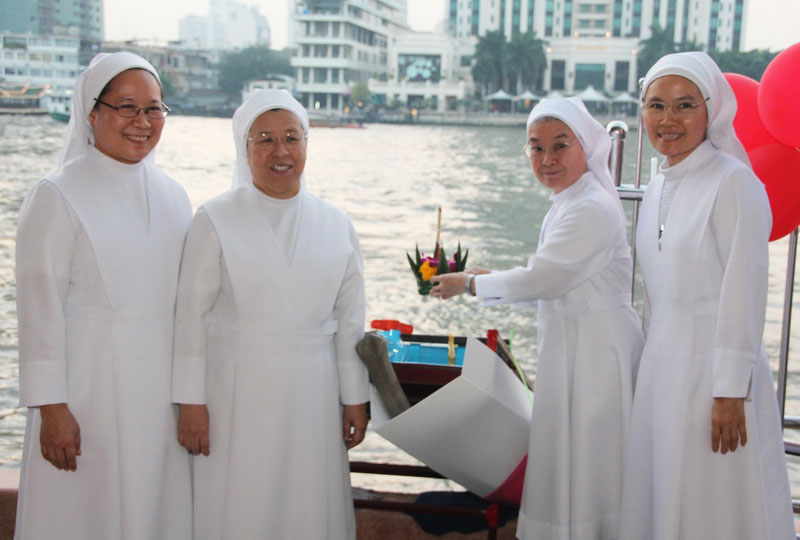 Why Thai Muslims Don't Celebrate Loy Krathong (But Christians Do)