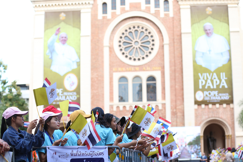 Young Thai Catholics Say They Live Peacefully as Minority