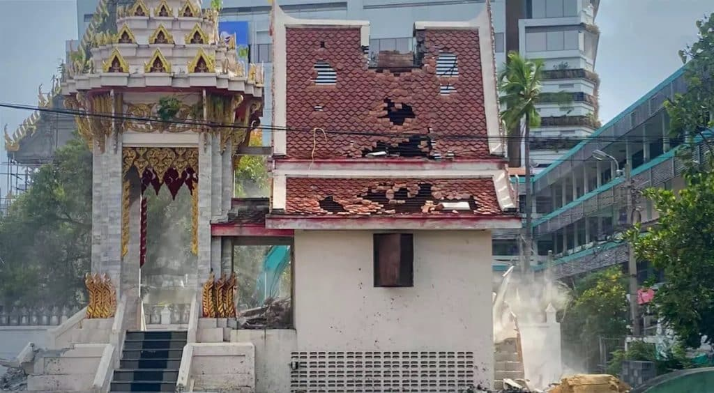 The crematorium temple Bangkok collapses due application many Covid19 deaths