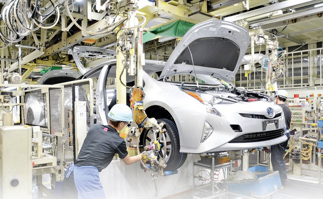 Covid19 virus penetrates factory Japanese car manufacturer Toyota, which production immediately stopped