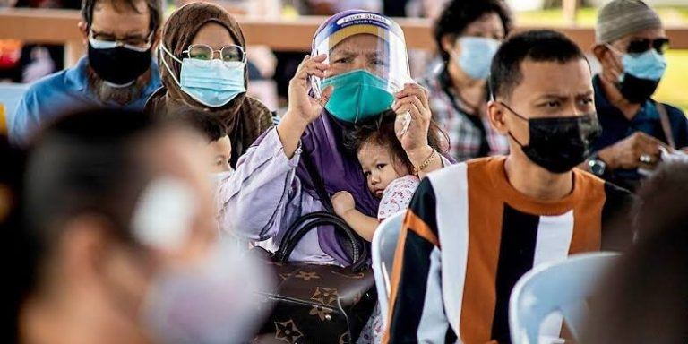 Thai National Physicians Association Claims COVID-19 Infections Increasing, Not Falling