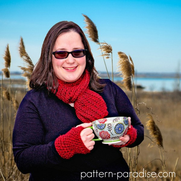 Free Crochet Pattern: Simple Scarf & Gloves Set