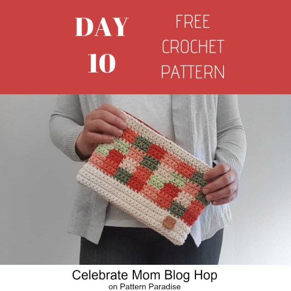 2019 Celebrate Mom Blog Hop – Day 10 Picnic Clutch