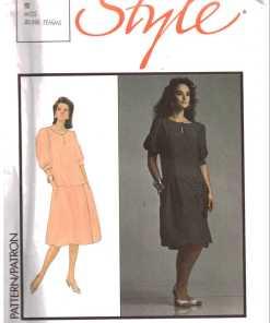 Style 4748 Y