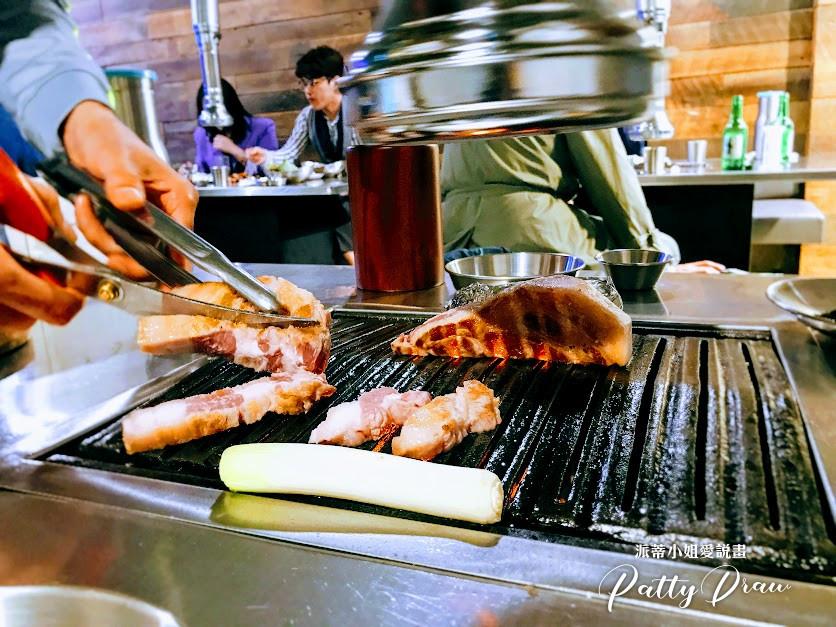 弘大美食推薦-쟈니식당 Johnny食堂-餐點