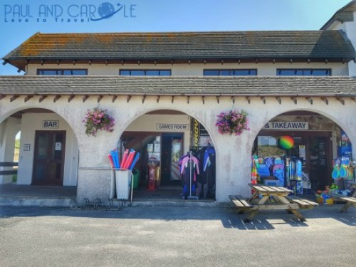 Beachside Holiday Park Hayle Cornwall Review #travel #uk #england #cornwall #hayle #camping #campsite #holiday #park#beachside #travelling #travellers #beach #review #paul #carole #bar #reception #shop