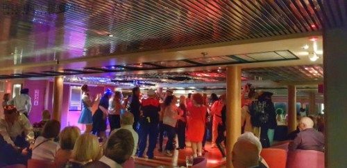 CMV Marco Polo Cruise ship Scotts Bar #CMV #cruising #maritime #voyages #marcopolo #marco #polo #cruise #reviews #scotts #bar #party #lounge