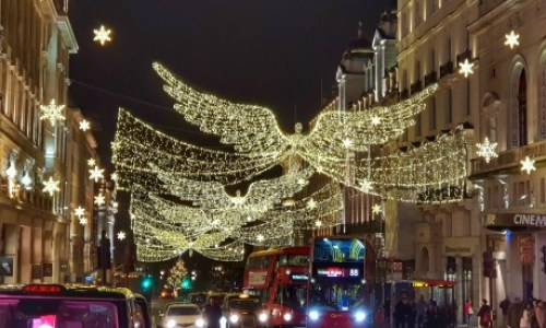 Paul and Carole 2019 Review - London's impressive Christmas lights   #paulandcarole2019review #paulandcarole #travel #travelbloggers #travelvloggers