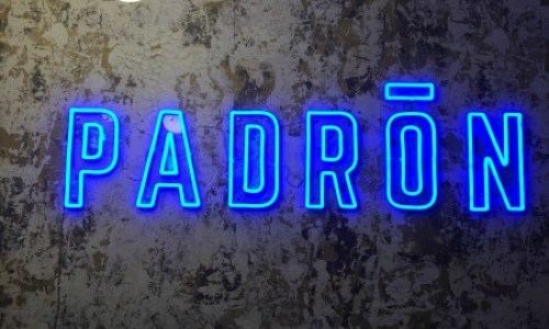 the neon sign at the entrance to Bar Padron #barpadron #tapas #spanishfood #restaurantscheltenham #preshowdrinks