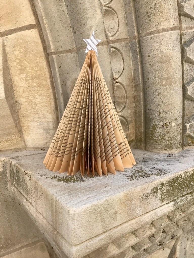 Bookfolding Christmas Tree