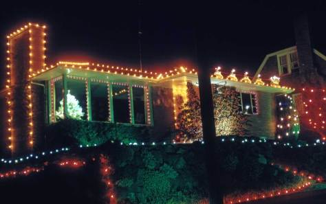 Bradley notes that this home won two years running in the competition for Christmas lights.  He gives the date, 12/30/61, the location, 336 12th West near Dravus, but not the name or sponsors of the contest.