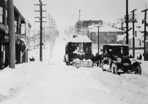 "The Queen Anne Avenue Counterbalance seen from Queen Anne Avenue, twixt Mercer and Roy streets, during the stall of the ""Big Snow of 1916."""