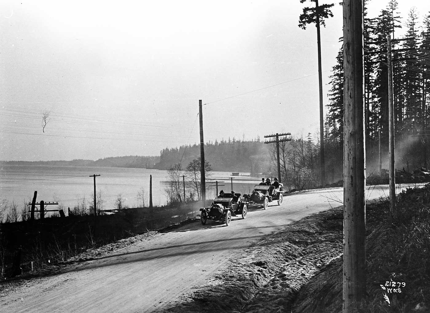 Seattle Now & Then: The Jolly Roger on Lake City Way