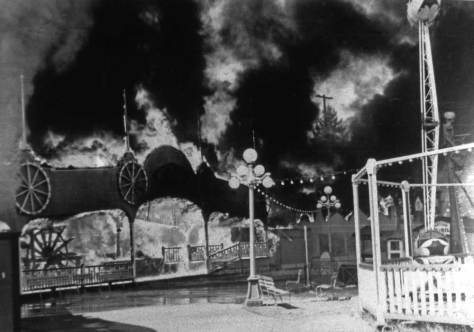 Playland-slides021-Fire-WEB