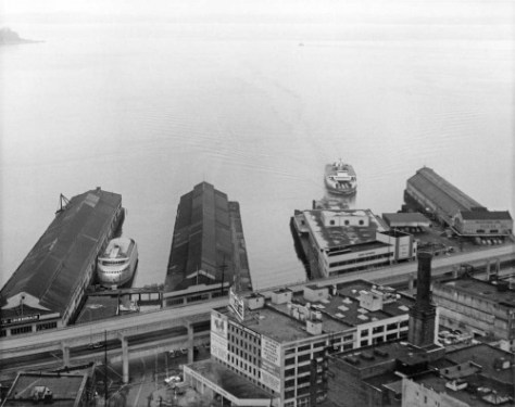 Wade Stevenson's ca. 1959 record of Piers 50 thru 53 - left-to-right.  The 1930s Art Deco style Colman Dock is still holding to Pier 52.  The Kalakala is parked between Piers 50 and 51, the Alaska Piers.