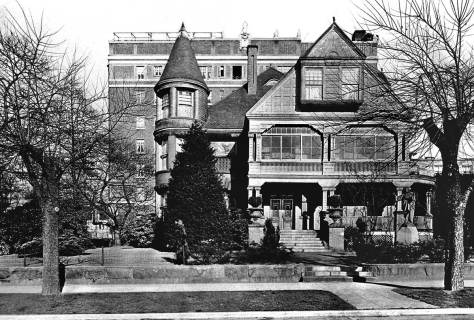 The Ranke mansion at the southeast corner of Madison and Terry with the Perry Hotel (later the Columbia Hospital) behind it at the southwest corner of Boren and Madison.