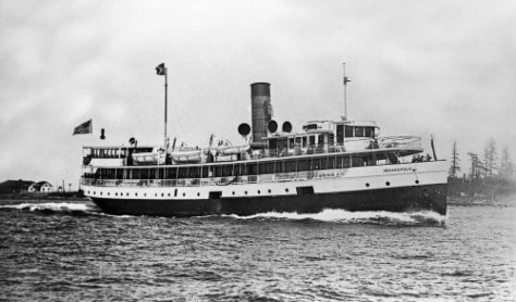 The steamer Indianapolis underway.  (Courtesy Lawton Gowey)