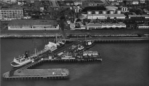 Union Oil dock at the foot of Bay Street in 1932 and its facilities to both sides of Bay.  (Courtesy again of Ron Edge)