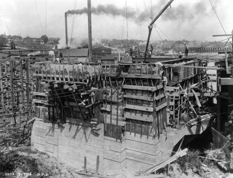 Work on the north pier, July 7, 1916.