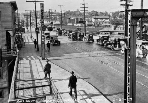 Until the Aurora Bridge was completed in 1932, the bascule at Fremont was busy enough to be considered the busiest bridge of its kind in the U.S.A..  With the University Bridge it was one of the two primary funnels into the north city.