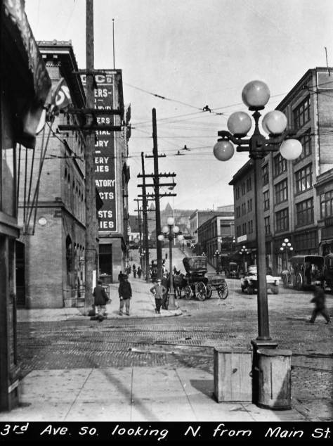 (Courtesy, Seattle Municipal Archive)