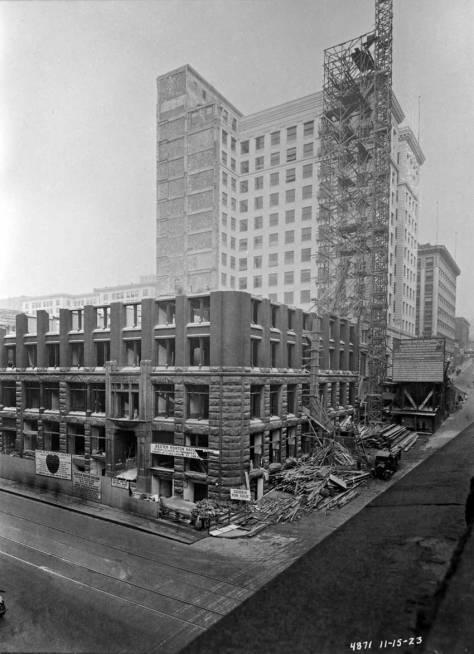 Boone's New York Block during its destruction, Nov. 15, 1923.