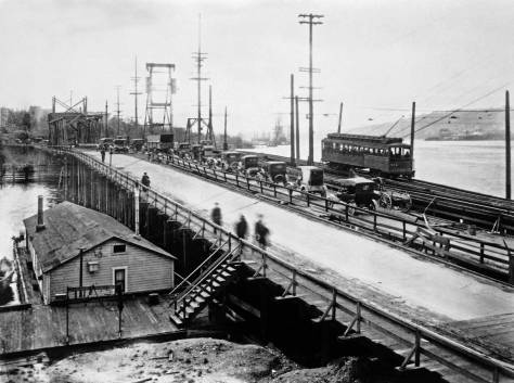 The Latona Bridge in its last year (1919) from Latona on the north shore of Lake Union.