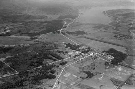 A Laidlaw Aerial of Edmonds from April 6, 1934. It looks south. (Courtesy, Museum of History and Industry)